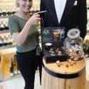 Les boutiques 20/vin déroulent le tapis rouge pour le café L'Or…